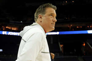 Lavin, St. John's part ways; could Mullin take job? - Photo