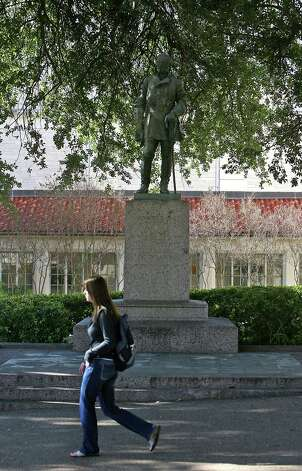 Robert E. Lee statue at the University of Texas AustinThe Confederate general is one of a few Confederate figures memorialized on the South Mall at the University of Texas at Austin. Photo: Laura Skelding, File / AUSTIN AMERICAN-STATESMAN