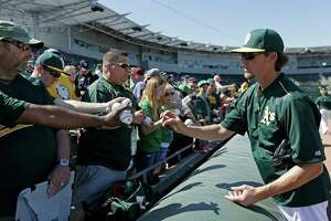 Tyler Clippard named temporary A's closer - Photo