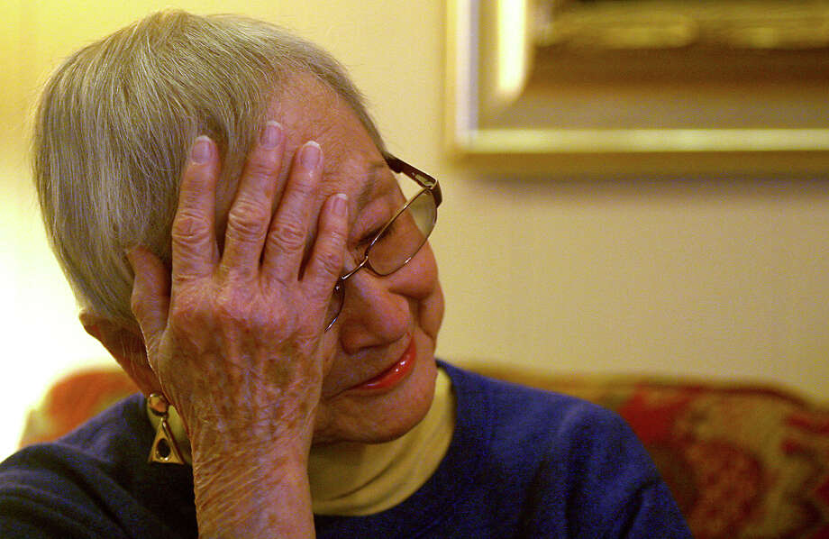 Patricia Mangum, 83, lived on the eighth floor of the 11-story Wedgwood. Her new residence has only two floors. Photo: Express-News File Photo / For the San Antonio Express-News