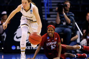 Stanford suffers blowout loss to Notre Dame in Sweet 16 - Photo