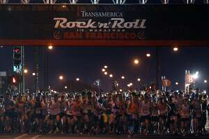 Rockin' good run for marathon runners in S.F. - Photo