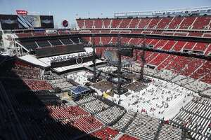 Stadium, transit wrestle with traffic congestion during Wrestlemania - Photo