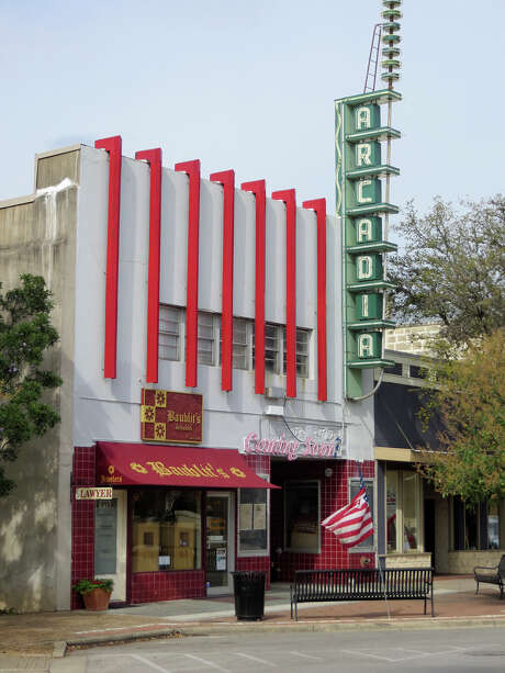 Records show that the ownership of Kerrville's landmark Arcadia Theater was converted last week to a limited liability company led by one of the parties that have settled a lawsuit. Photo: Zeke MacCormack /San Antonio Express-News / San Antonio Express-News