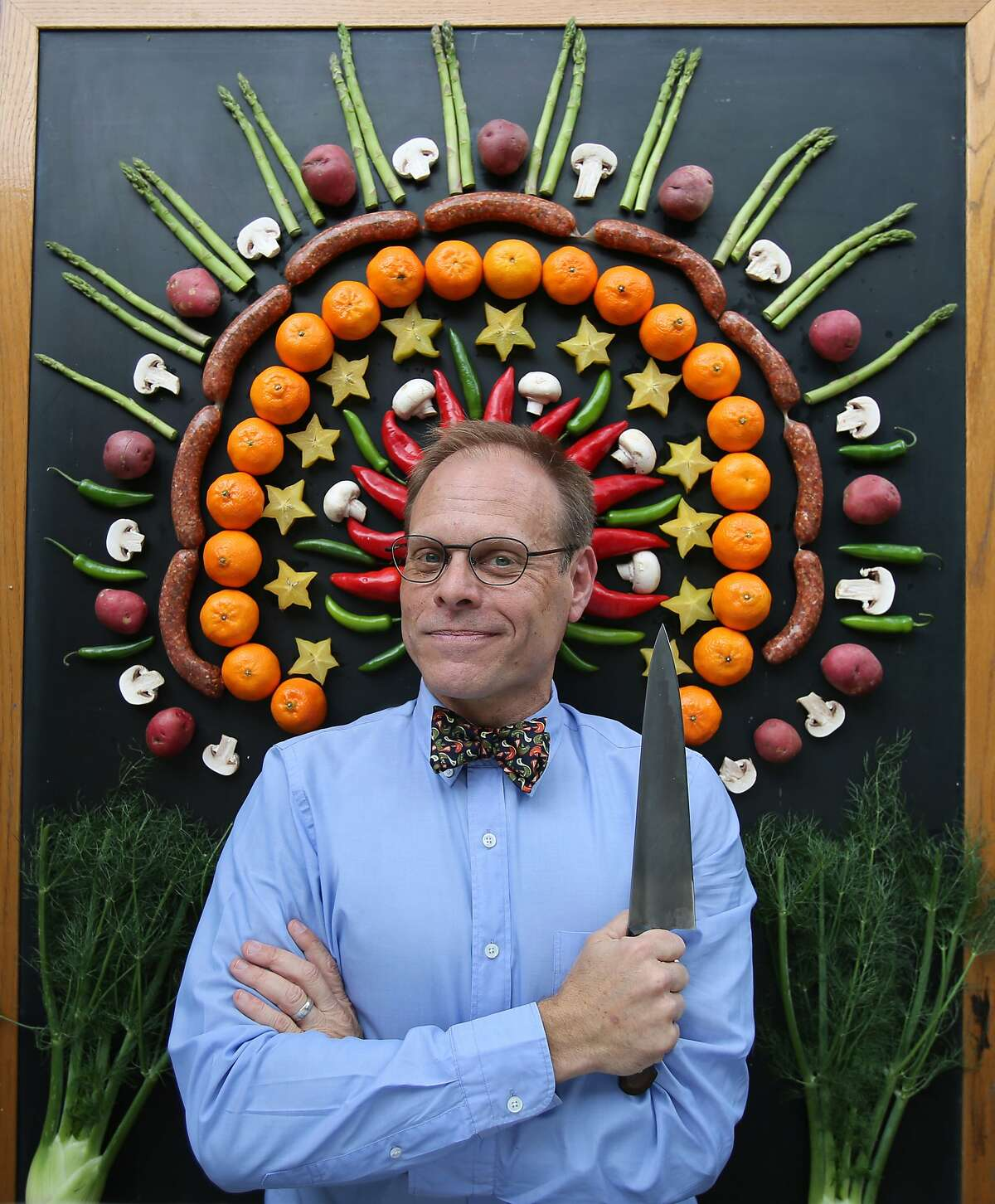TV food celebrity Alton Brown is bringing a live show that includes music to theTobin Center for the Performing Arts tonight.