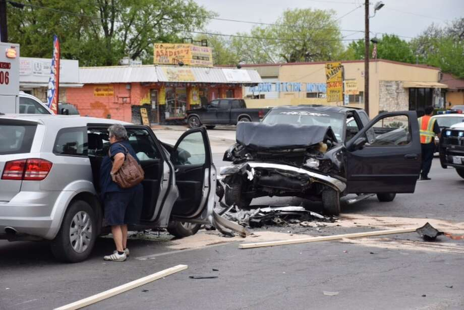 Two vehicles collided on the West Side on Culebra Avenue on March 30, 2015. Photo: Mark D. Wilson/San Antonio Express-News