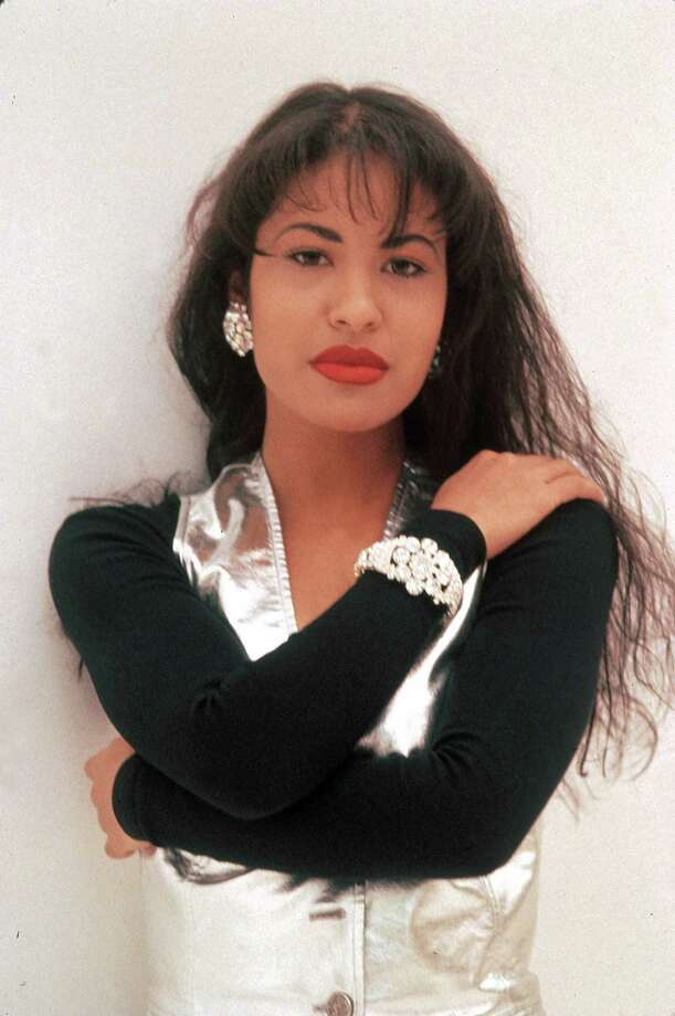"4.	Selena was a true representation of the Hispanic identity With her singing, dancing and curvaceous body outfitted in iconic outfits, Selena was the ""whole package.""