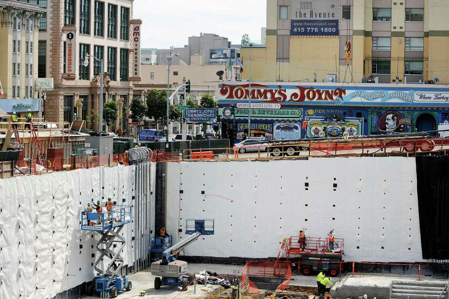 The owners of Tommy's Joynt are hopeful that the construction of the new hospital and other development for the area will ultimately be good for business. Photo: Michael Short / Special To The Chronicle / ONLINE_YES