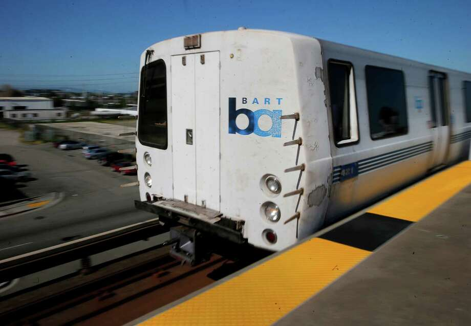A man was killed along the BART tracks in Richmond early Tuesday morning. Photo: Brant Ward / Brant Ward / The Chronicle / ONLINE_YES