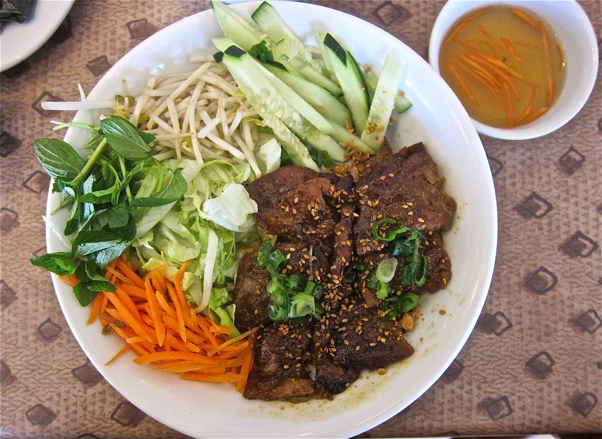 Nam Giao brings elegance to regional Vietnamese cuisine - Houston Chronicle