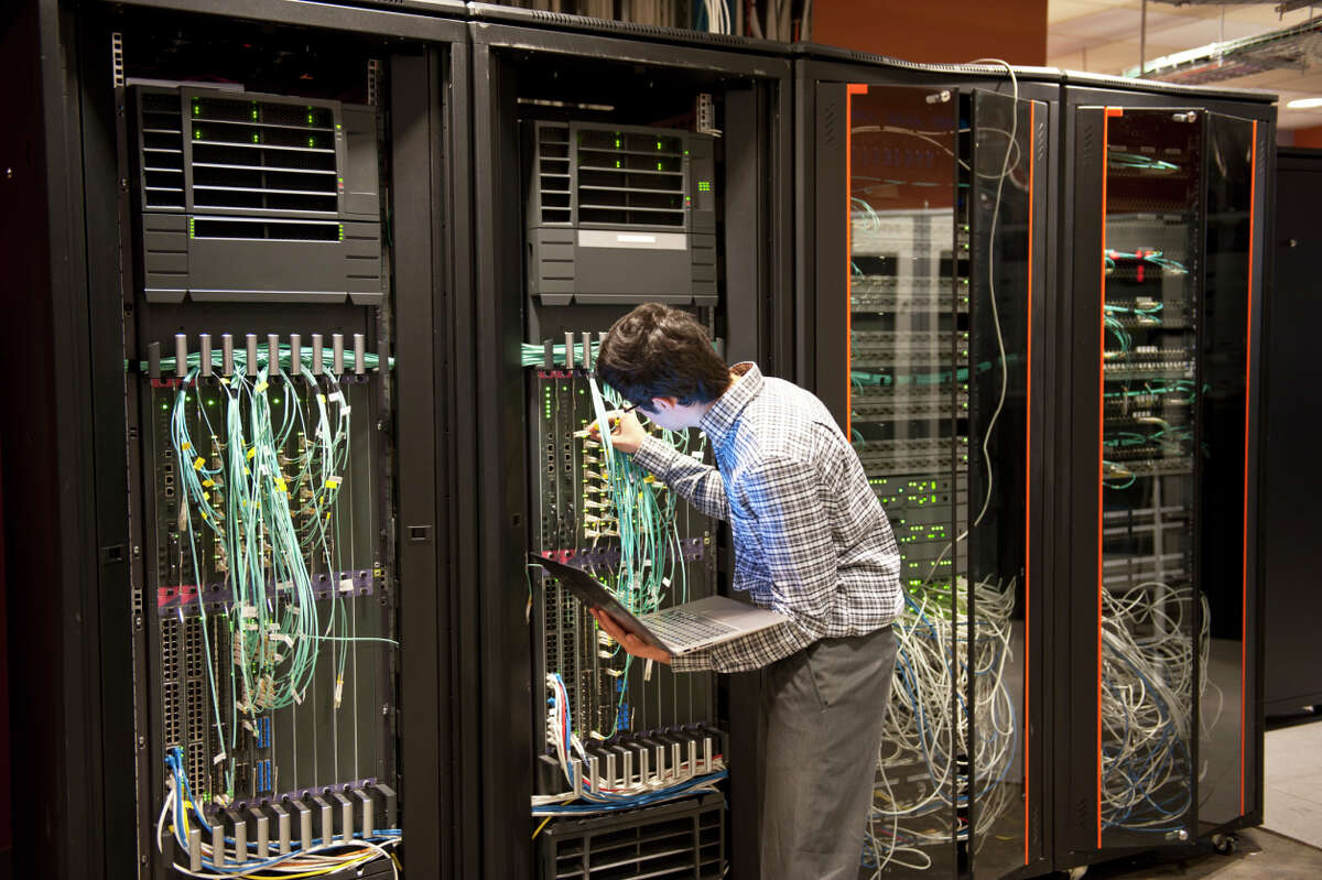 19. Network Engineer 2014 salary: $82,081Typical San Antonio salary (payscale.com): $61,585 (Network Engineer)