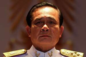 Thai leader calls for ending martial law but seeks new powers - Photo