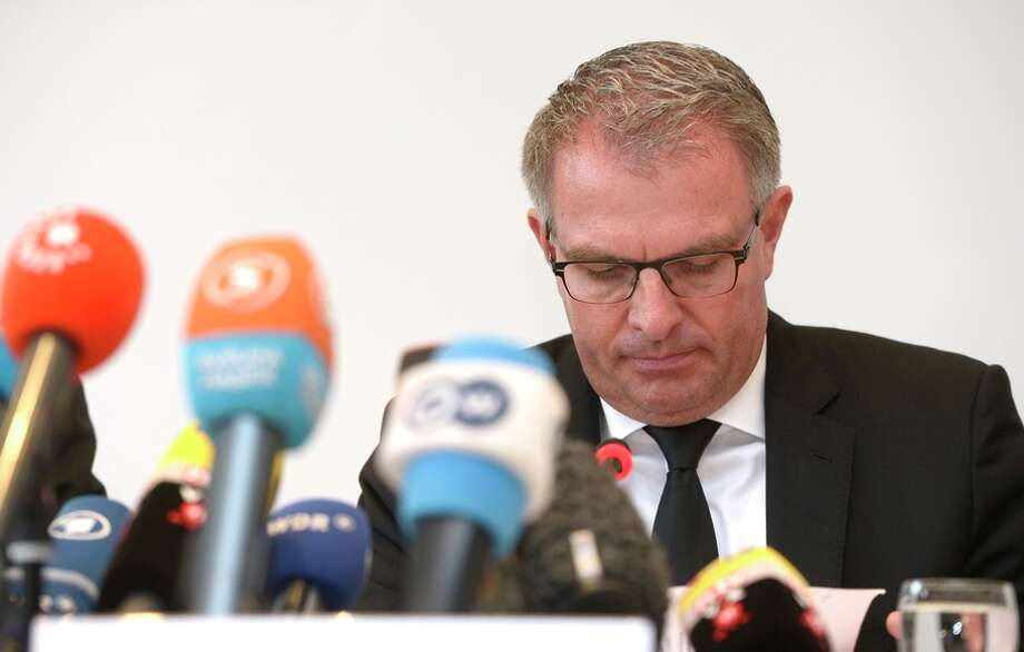 Lufthansa Group CEO Carsten Spohr addresses a press conference in Cologne, Photo: ROBERTO PFEIL / AFP / Getty Images / AFP