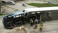 Overturned truck blocks ramp - Photo