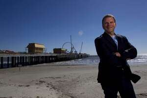 Billionaire debuts luxury villas in Galveston - Photo