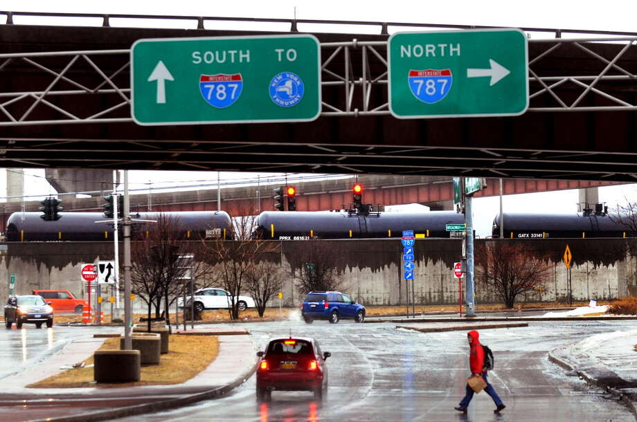 Madison Avenue, along Interstate 787 and the Hudson River, in Albany, N.Y. (Cindy Schultz /Times Union archive) Photo: Cindy Schultz / 00026115A