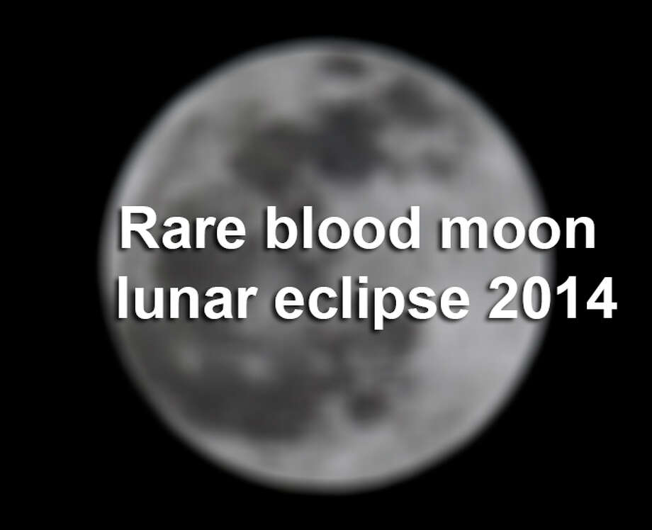 Rare blood moon lunar eclipse 2014 / ©San Antonio Express-News/John Davenport