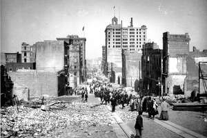 1906 Earthquake photo from the San Francisco Chronicle archive. Photographer unknown. California Street, looking from Grant Avenue.