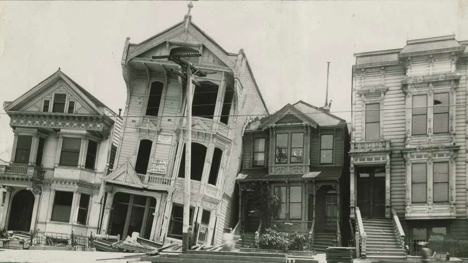 Aftermath of the 1906 San Francisco earthquake and fire at Howard near 18th Street. Photo: SFC / ONLINE_YES