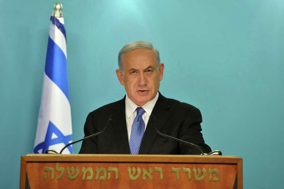 Israel Prime Minister Benjamin Netanyahu discusses a pending nuclear deal with Iran with journalists in Jerusalem. Photo: Handout / Getty Images / 2015 GPO