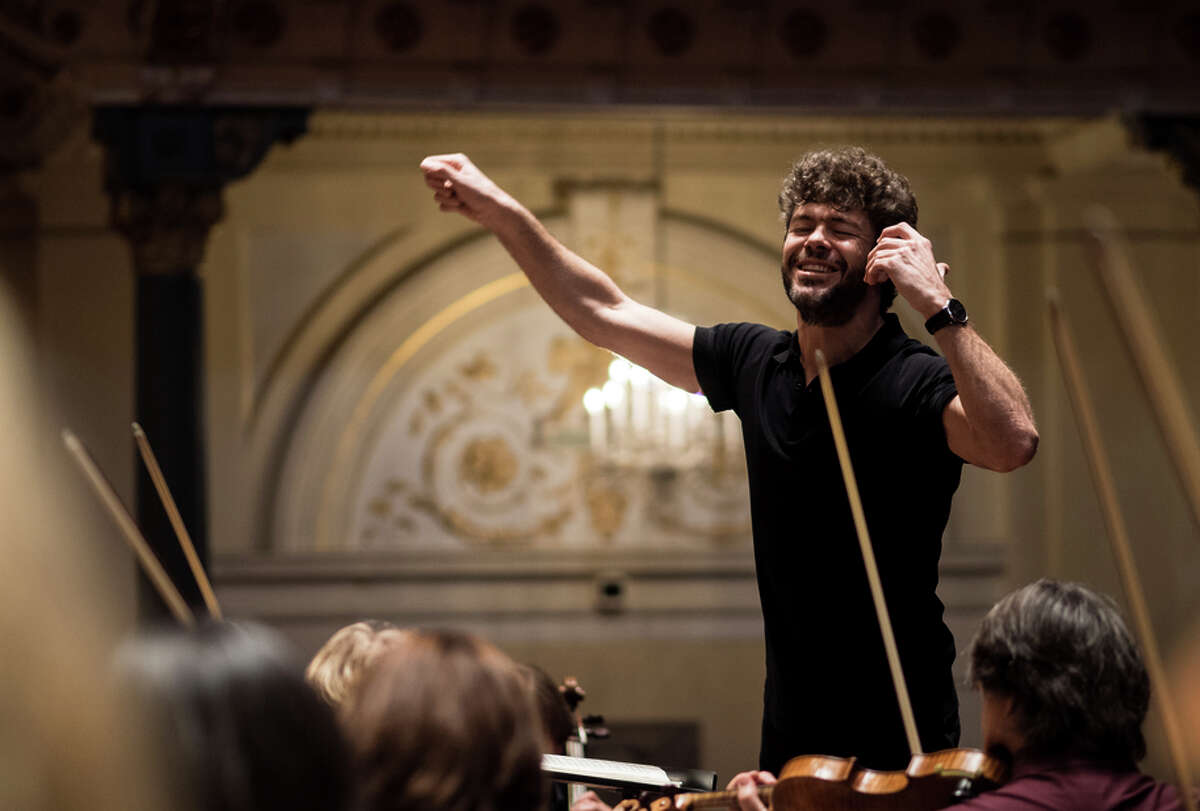 Conductor Pablo Heras-Casado led the first Symphony per for mance of John Adams' great Chamber Symphony from 1992.