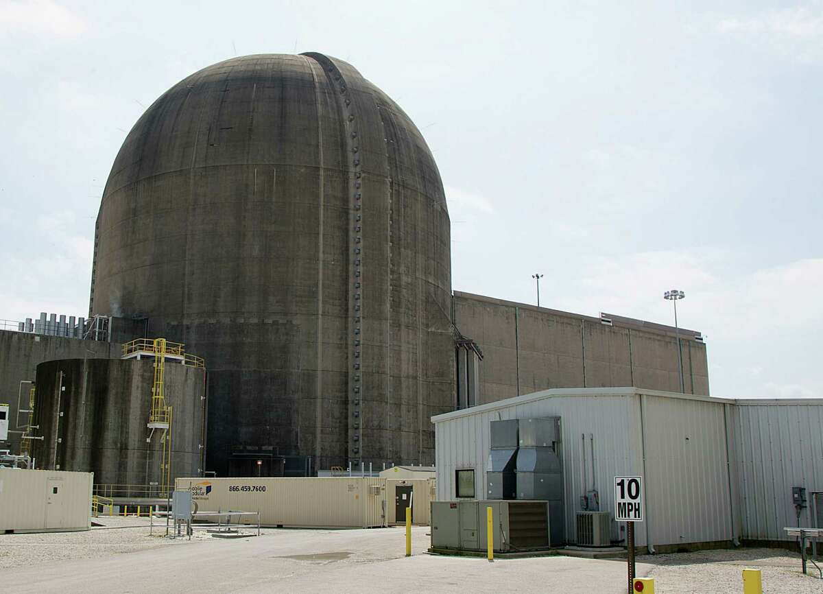 Texas' two nuclear power plants, including this unit of the South Texas Project in Wadsworth, provide about 12 percent of the state's electricity. ( James Nielsen / Houston Chronicle )