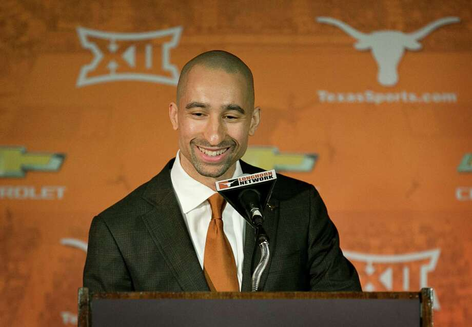 Shaka Smart's whirlwind tour of Texas as the new men's basketball coach includes meeting the players. Photo: Jay Janner, MBR / Austin American-Statesman