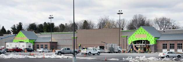 WalMart construction continues at the former Latham Circle Mall Tuesday March 31, 2015, in Colonie, NY.  (John Carl D'Annibale / Times Union) Photo: John Carl D'Annibale / 00031226A