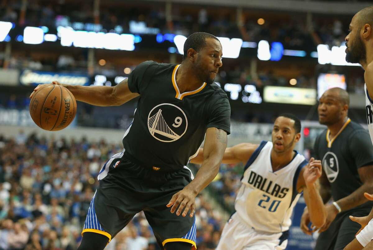 DALLAS, TX - APRIL 04: Andre Iguodala #9 of the Golden State Warriors dribbles the ball against the Dallas Mavericks at American Airlines Center on April 4, 2015 in Dallas, Texas. NOTE TO USER: User expressly acknowledges and agrees that, by downloading and or using this photograph, User is consenting to the terms and conditions of the Getty Images License Agreement. (Photo by Ronald Martinez/Getty Images)