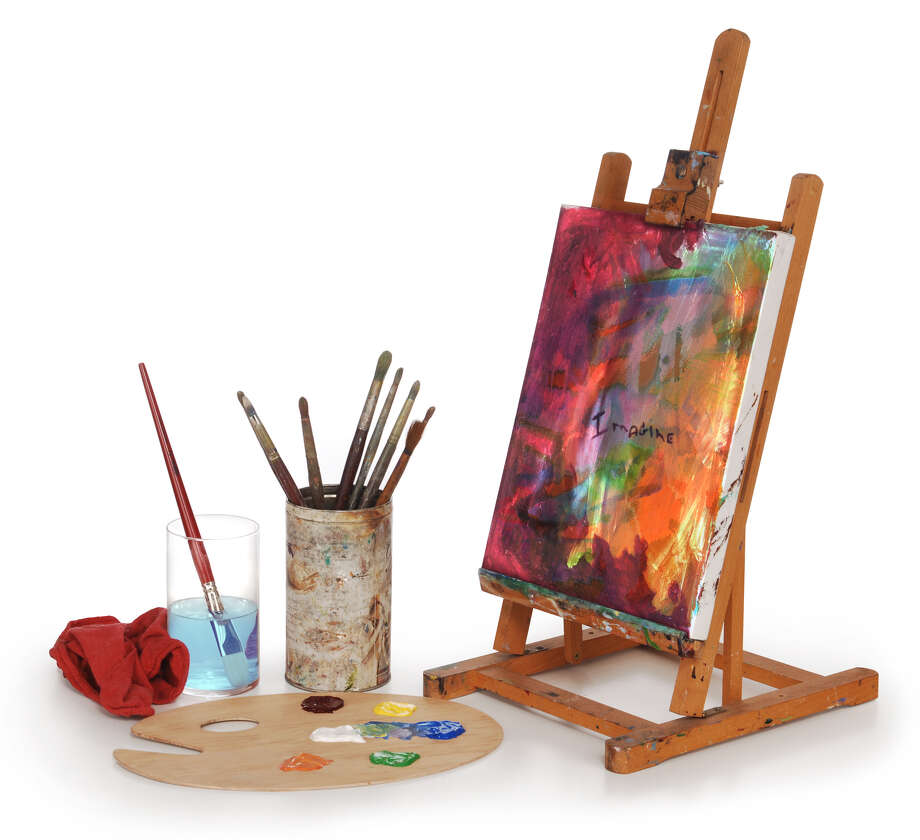 painting on canvas, art palette, brushes and easel isolated on white background. Photo: James Steidl / James Steidl - Fotolia