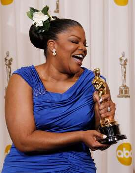 Mo'Nique poses backstage with the Oscar for best performance by an actress in a supporting role for ?Precious: Based on the Novel 'Push' by Sapphire? at the 82nd Academy Awards Sunday, March 7, 2010, in the Hollywood section of Los Angeles. (AP Photo/Matt Sayles) ** EMBARGOED AT THE REQUEST OF THE ACADEMY OF MOTION PICTURE ARTS & SCIENCES FOR USE UPON CONCLUSION OF THE ACADEMY AWARDS TELECAST ** Photo: Matt Sayles, ASSOCIATED PRESS / AP2010