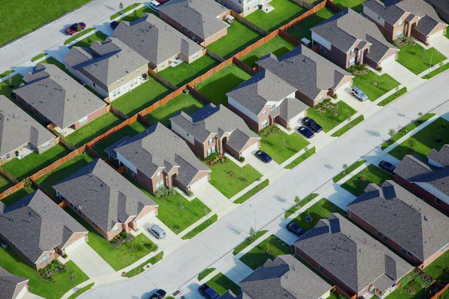 Aerial view of housing development Photo: Thomas Northcut, Getty Images / (c) Thomas Northcut