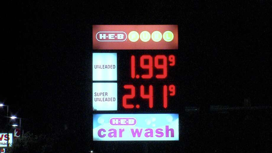Gas prices in San Antonio have fallen under $2 at several locations throughout the city. Photo: 21 Pro Video