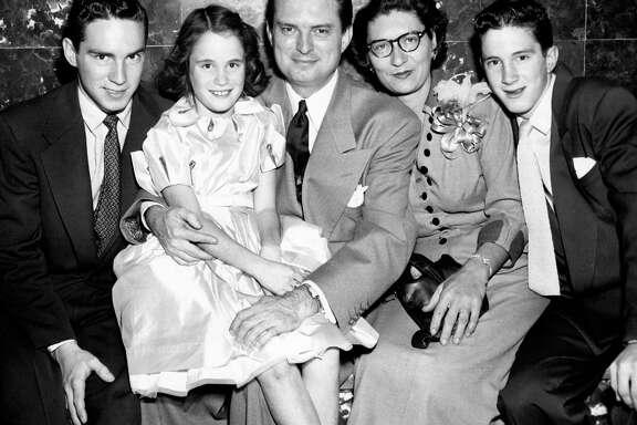 11/05/1952 - (L-R) Fred Hofheinz, Dene Hofheinz; Houston mayoral candidate Roy Hofheinz; Irene Hofheinz; Roy Hofheinz Jr.