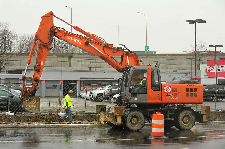 Construction resumes along East Main Street after the winter stoppage near the corner of Myrtle Avenue in Stamford, Conn., on Tuesday, April 7, 2015. Photo: Jason Rearick / Stamford Advocate