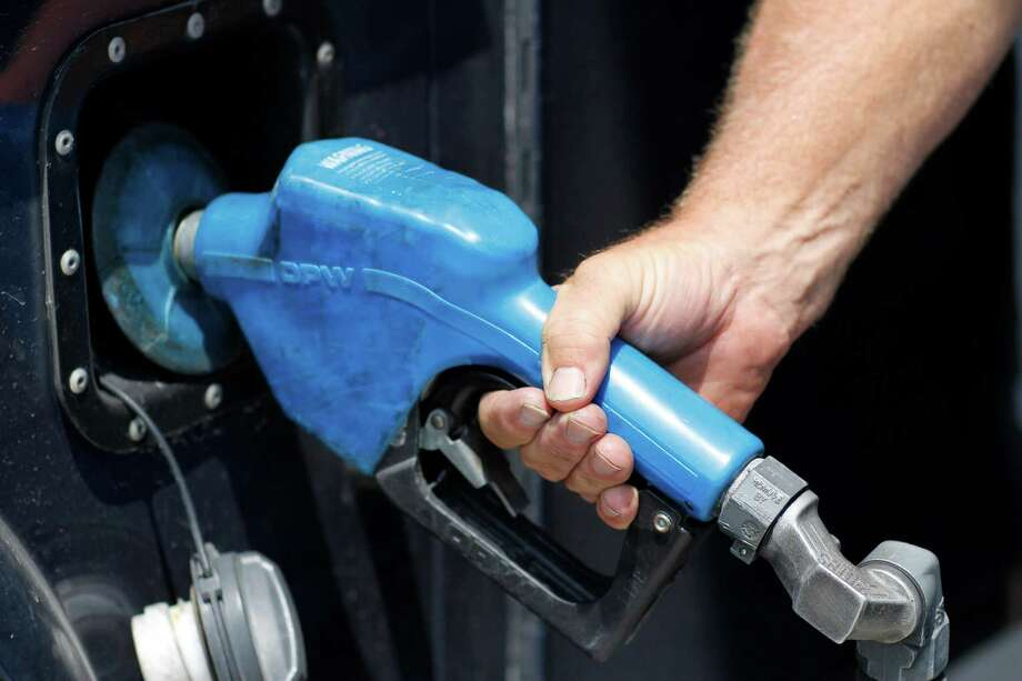 Gas prices dip across Capital Region. (Times Union archive) Photo: Dan Little / 00018217A