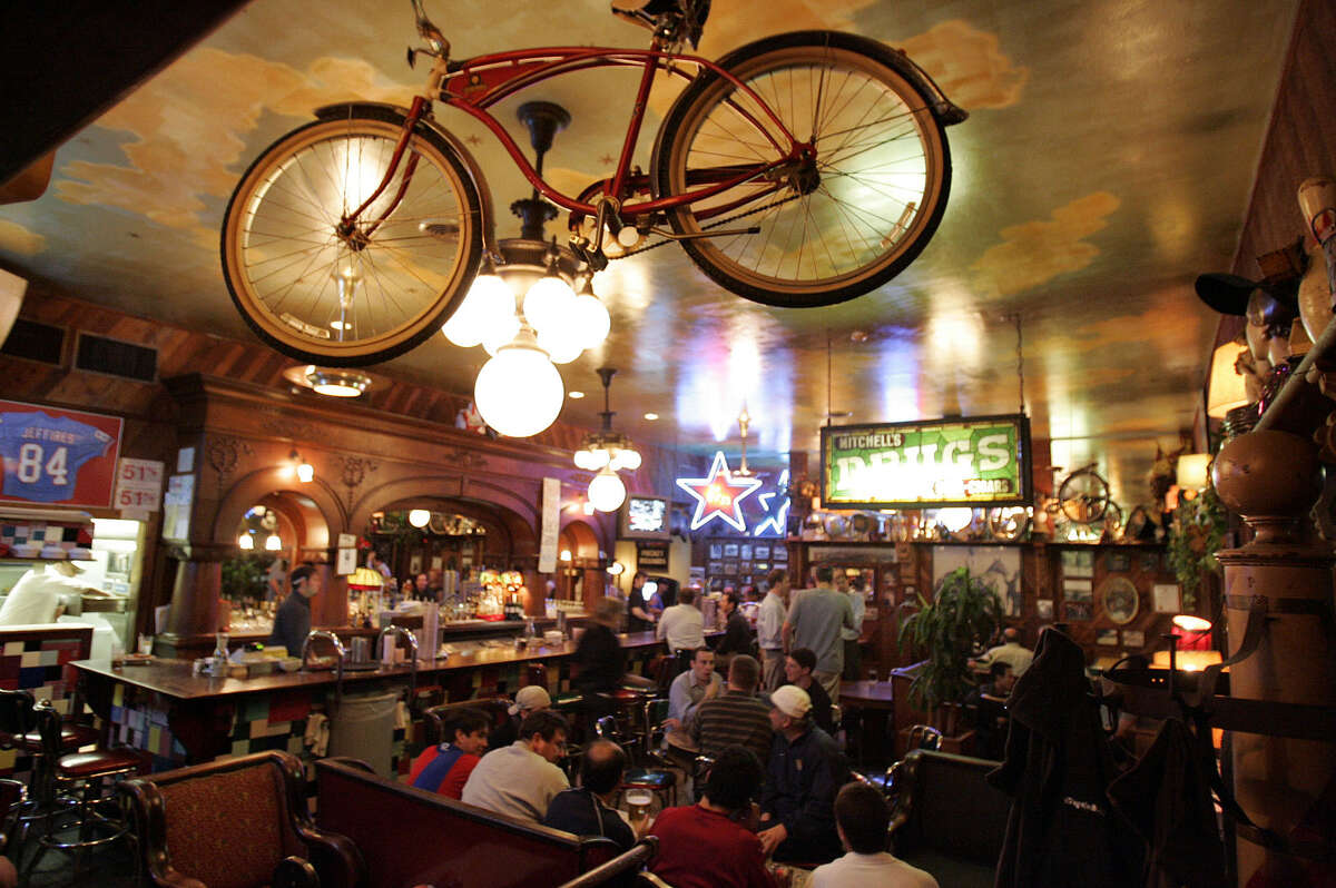 30 San Antonio Bars Open On Christmas