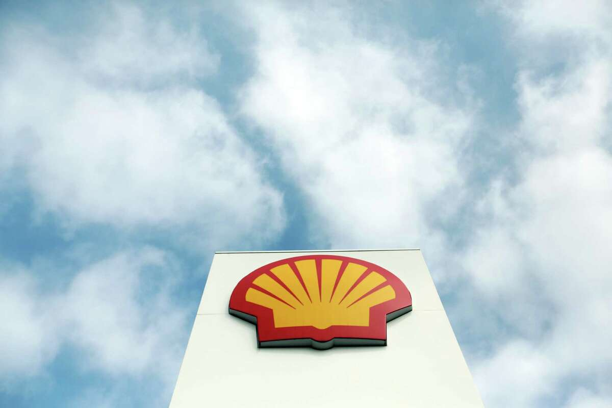 Clouds over the global oil industry sent Royal Dutch Shell's first-quarter sales down 40 percent. (Chris Ratcliffe/Bloomberg)