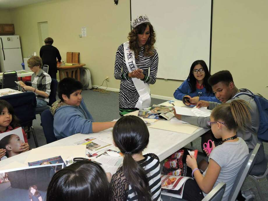 Regina Crafter, Ms. Texas America 2015, leads students in a goal-setting workshop during her visit to Fort Bend Family Promise. Photo: Fort Bend Family Promise Center