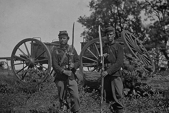 About 2.75 million soldiers fought in the Civil War åÑ 2 million for the North and 750,000 for the South..