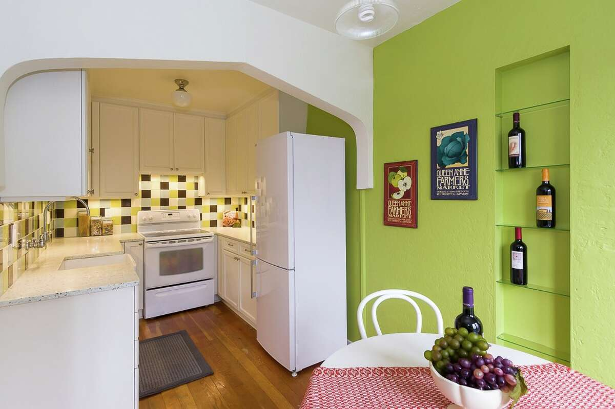 The kitchen and dining nook in 1623 Taylor Ave. N. #102