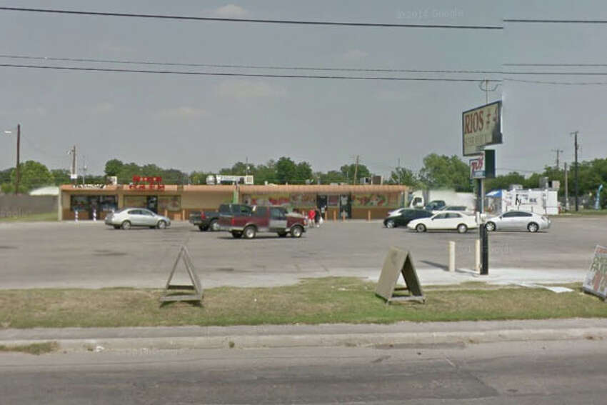 Rios Meat Market: 8030 S. Zarzamora St., San Antonio, Texas 78224Date: 11/18/2016 Score: 74Highlights: Dead flies seen in the reach-in cooler, no paper towels available in women's restroom, chicharron and picadillo not properly cooled, documentation not provided for employees handling ready-to-eat foods with bare hands, employees' medicine stored near food prep areas.
