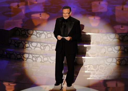 HOLLYWOOD - MARCH 07:  Actor Robin Williams presents onstage during the 82nd Annual Academy Awards held at Kodak Theatre on March 7, 2010 in Hollywood, California.  (Photo by Kevin Winter/Getty Images) *** Local Caption *** Robin Williams Photo: Kevin Winter, Getty Images / 2010 Getty Images