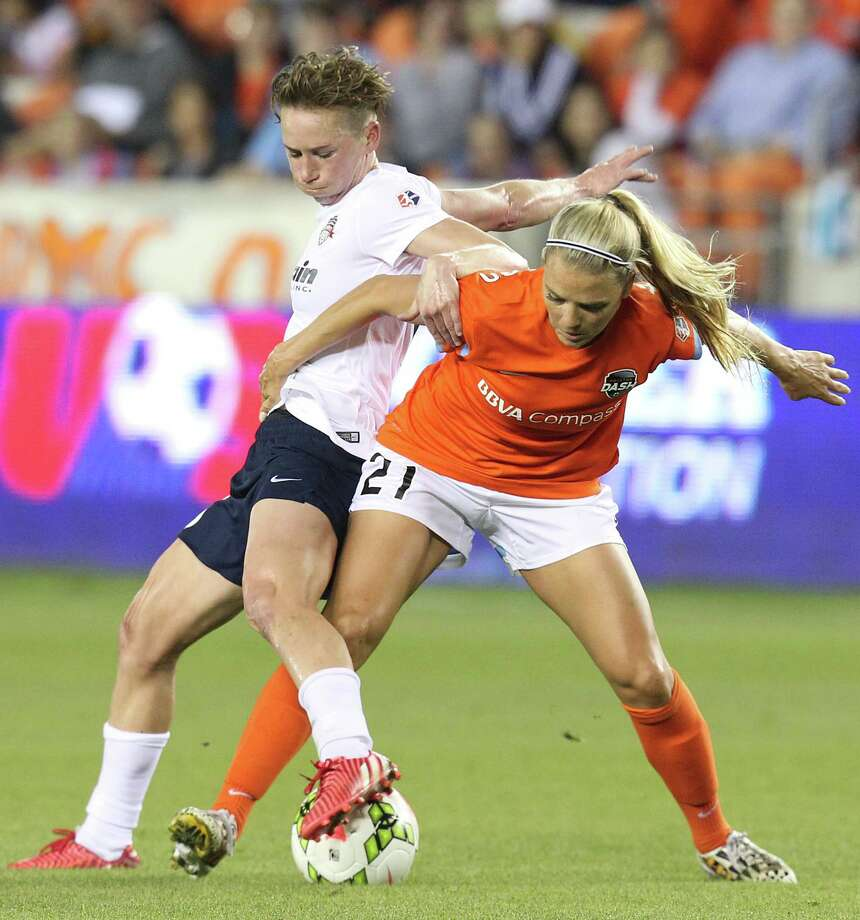 Joanna Lohman scored the only goal for the Spirit as they shut out the Dynamo. Photo: Thomas B. Shea, For The Chronicle / © 2015 Thomas B. Shea