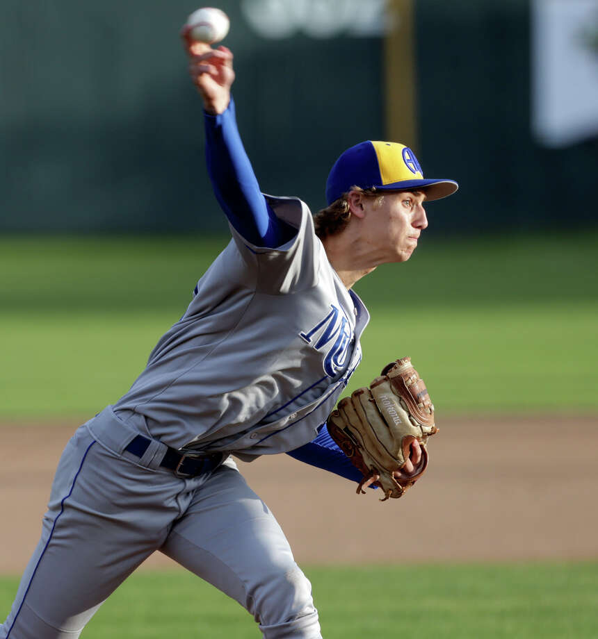 Mules pitcher Jack Woodland gets the start as Alamo Heights hosts San Marcos in a 27-5A baseball game on April 10, 2015. Photo: Tom Reel /San Antonio Express-News
