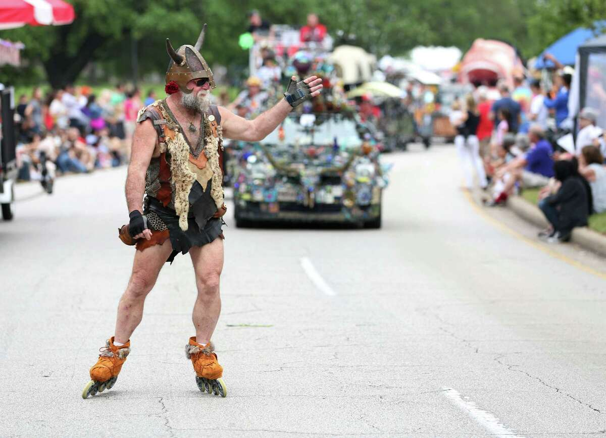 The art car parade also featured people on skateboards and even roller skates, such as Randy Williamson.