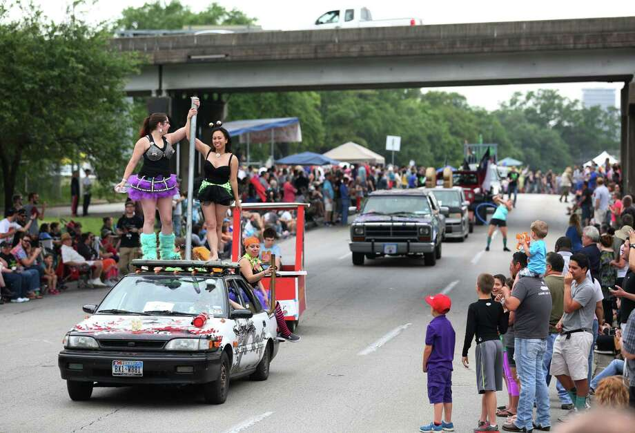 The 28th Annual Art Car Parade goes down Allen Parkway Saturday, April 11, 2015, in Houston. Photo: Jon Shapley, Houston Chronicle / © 2015 Houston Chronicle
