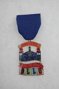 Fiesta Medals Are A Fun Tradition San Antonio Express News