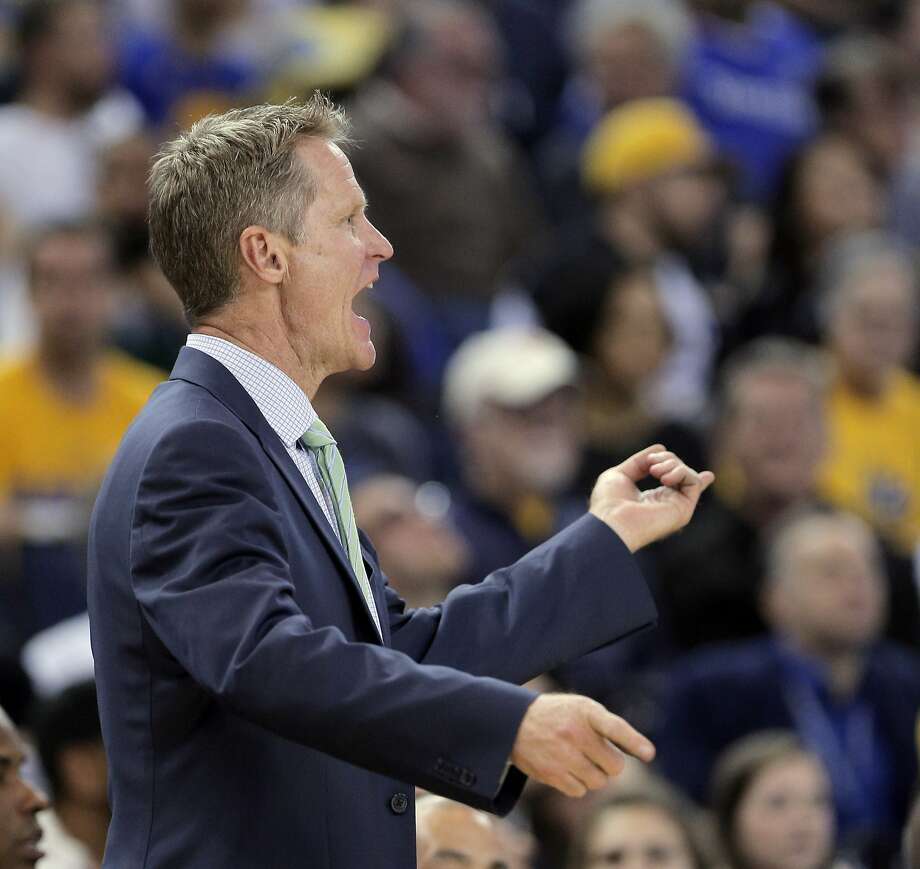 Head coach Steve Kerr yells out plays during the Golden State Warriors game against the Minnesota Timberwolves at Oracle Arena in Oakland, Calif., on  Saturday, April 11, 2015. Photo: Carlos Avila Gonzalez, The Chronicle