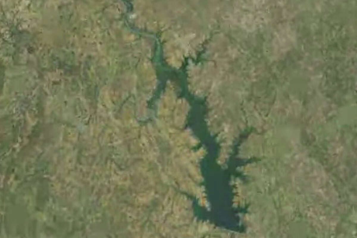 Falcon Reservoir , Texas/Mexico: 2008Falcon Lake is split by the Mexico border and the U.S. shares this water resource with its southern neighbor. The lake's capacity is over 505 billion gallons, but the water level has dropped drastically over the last several years.
